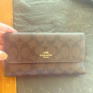 Coach billfold wallet brown traditional